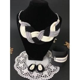 Set bijuterii tricotat